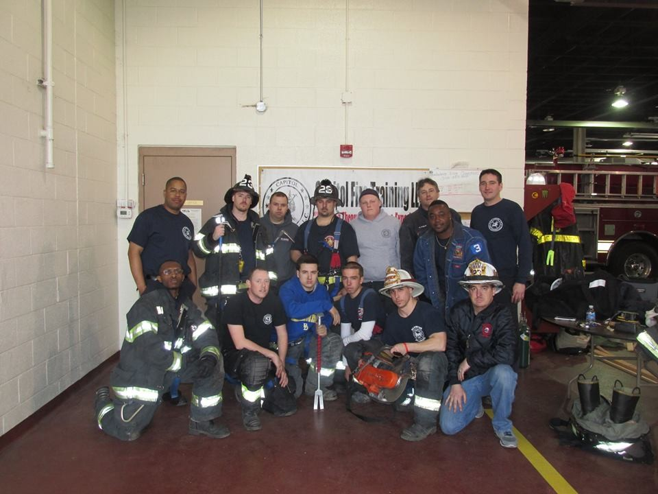"""Down & Dirty"" Urban Forcible Entry Class - Minquas Volunteer Fire Department"